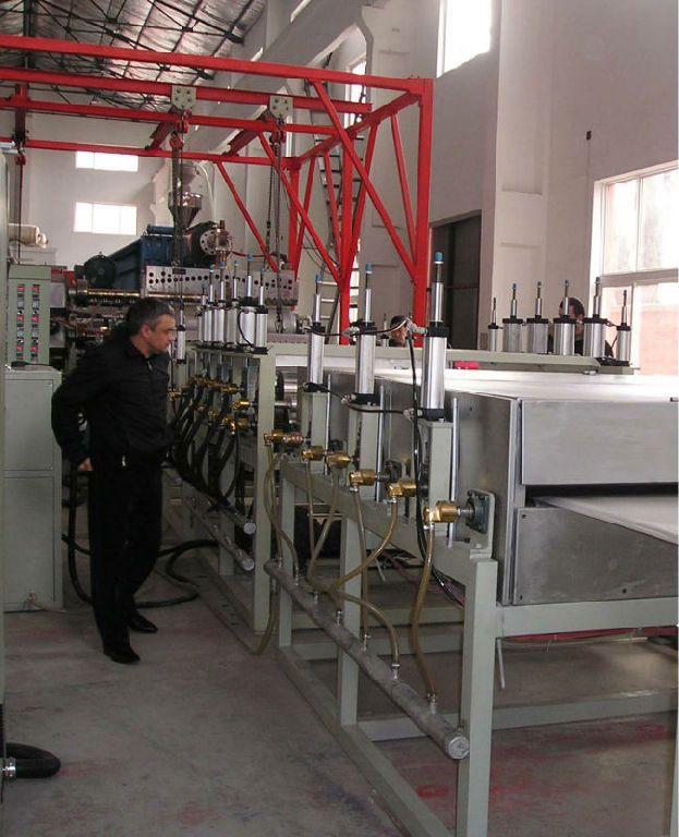 板材生产线的设备特点